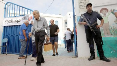 Photo of انتخابات تونس.. عزوف للشباب وإقبال مكثف لكبار السن