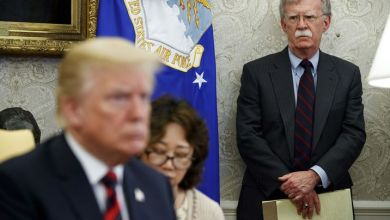 """Photo of إقالة أم استقالة؟.. ترامب يطيح بـ""""جون بولتون"""" أهم صقور البيت الأبيض"""