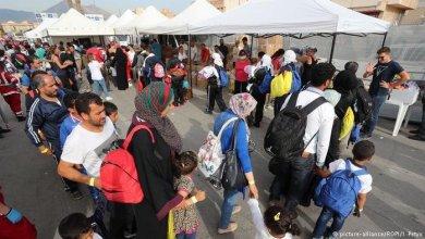 Photo of 12 محتجزًا يفرون من مركز للمهاجرين في السويد