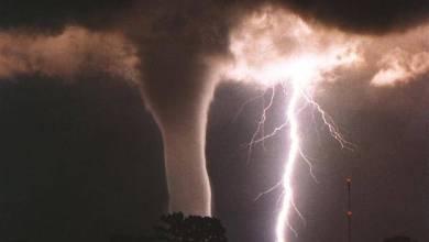 Photo of عالم أمريكي يتوقع حدوث إعصار نادر في مصر وفلسطين