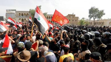 Photo of مقتل 31 عراقيًا وإصابة 1188 في اشتباكات بين المتظاهرين والأمن