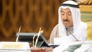 Photo of أمير الكويت يقيل وزيري الدفاع والداخلية ويفتح ملف الفساد في صندوق الجيش