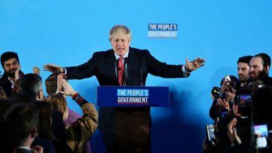 """Photo of رئيس الوزراء البريطاني يبدأ مهمة تنفيذ """"بريكست"""" بعد الفوز الانتخابي"""