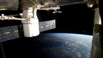 """Photo of التحام مركبة """"دراجون"""" التابعة لـ""""سبيس إكس"""" مع محطة الفضاء الدولية"""