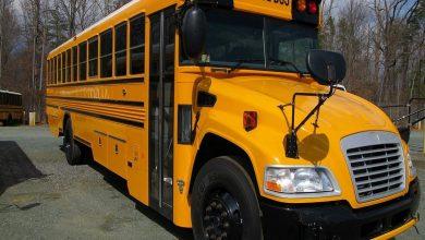 """Photo of """"فيرست جروب"""" تعرض وحدتي حافلات المدارس وخدمات التنقل بأمريكا للبيع"""