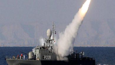 Photo of البحرية الأمريكية تحذر من استفزازات إيرانية جديدة في مضيق هرمز