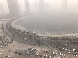Photo of أمطار غزيرة تؤجل وتلغي رحلات جوية بمطار دبي