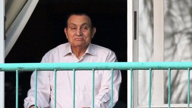Photo of نقل الرئيس المصري الأسبق حسني مبارك للمستشفى