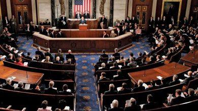 """Photo of """"النواب الأمريكي"""" يحيل ملف عزل ترامب إلى مجلس الشيوخ"""