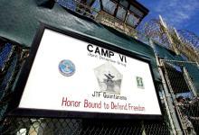 "Photo of مصممّ برنامج استجواب معتقل ""جوانتانامو"" يكشف أساليب التعذيب بداخله"