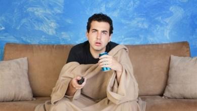 Photo of كثرة جلوس المراهق على الأريكة تزيد احتمال إصابته بالاكتئاب