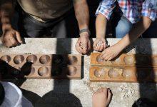 """Photo of """"المنقلة"""".. لعبة تراثية سورية تتحدى الحرب وتتحول لبطولة خاصة"""