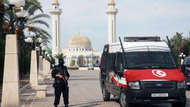 Photo of مقتل ضابط وإصابة 5 في تفجير انتحاري قرب السفارة الأمريكية بتونس