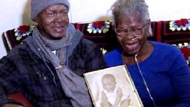 Photo of أمريكي يعود لوالدته بعد 55 عامًا من اختطافه (فيديو)
