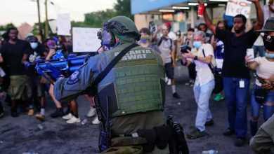 Photo of أتلانتا تنتفض احتجاجًا على مقتل شاب أسود برصاص الشرطة