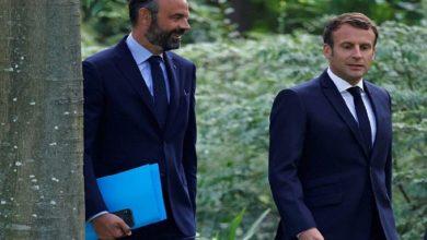 "Photo of استقالة الحكومة الفرنسية و""ماكرون"" يمهّد للمسار الجديد"
