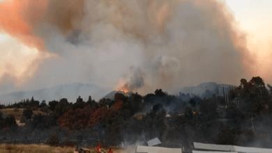 Photo of حريق هائل بجنوب كاليفورنيا يجبر آلاف السكان على ترك منازلهم