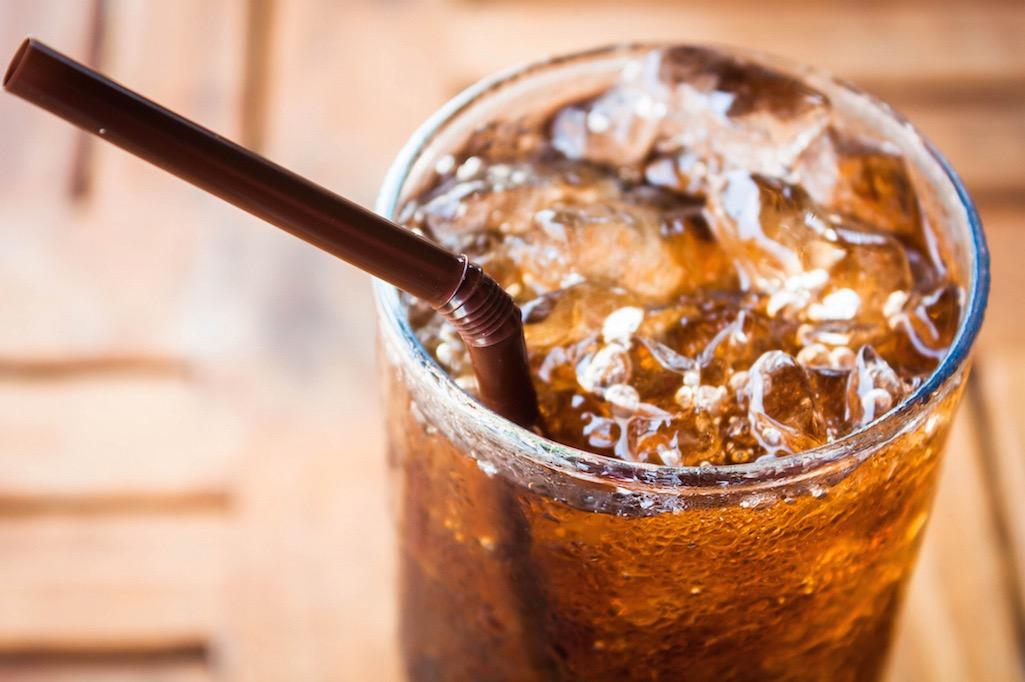 مقال – 6 فوائد من الإبتعاد عن شرب الكولا ! - موقع علوم العرب