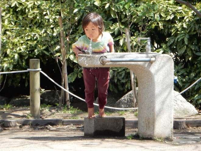 في اليابان، تتواجد نافورة الماء الصالح للشراب في كلّ مكان.