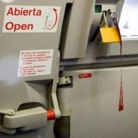 مقال - ماذا يحدث لو فُتح باب الطائرة أثناء الطيران؟