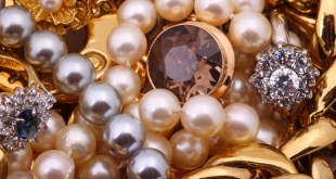 مقال - ارتداء المجوهرات لا يخلو من مخاطر صحية