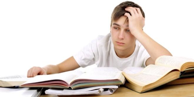 مقال - لهذا يجب أن تمدح ابنك عندما يخفق في اختباراته المدرسية!