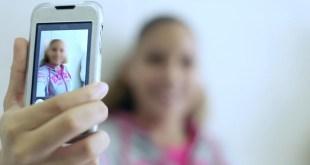 متنمرون على الإنترنت - ضحايا جرائم الإنترنت والهواتف المحمولة..