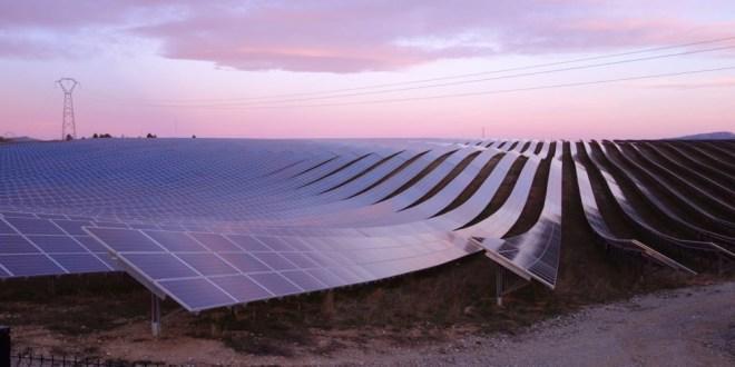 مقتطف – شاهد أكبر محطة عائمة لتوليد الطاقة الشمسية!!