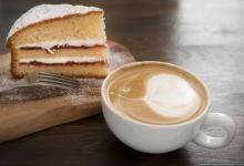 صورة دراسة – القهوة تزيد الرغبة بتناول الحلويات !