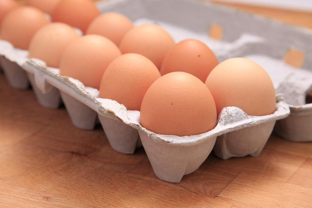 مقال – أيهما أفضل .. وضع البيض داخل الثلاجة أم خارجها؟