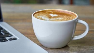 أضرار شرب القهوة على معدة فارغة