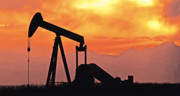 イラン、産油量据え置きに合意 サウジなどと協調へ