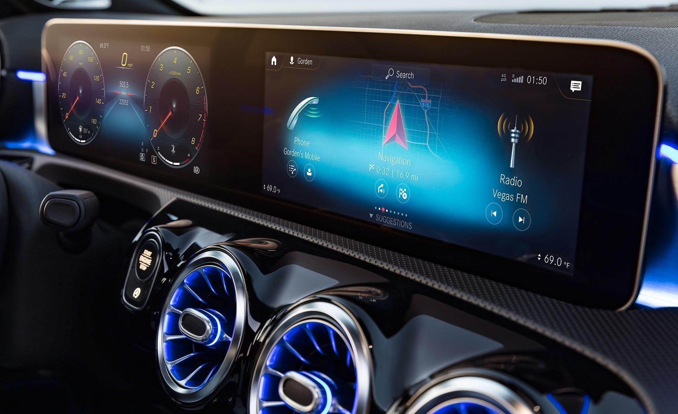 الآن تستطيع ان تتحدث مع سيارتك مع نظام MBUX من مرسيدس