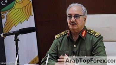 """صورة حفتر يعلن إعادة فتح المنشآت النفطية الليبية بـ""""شروط"""""""