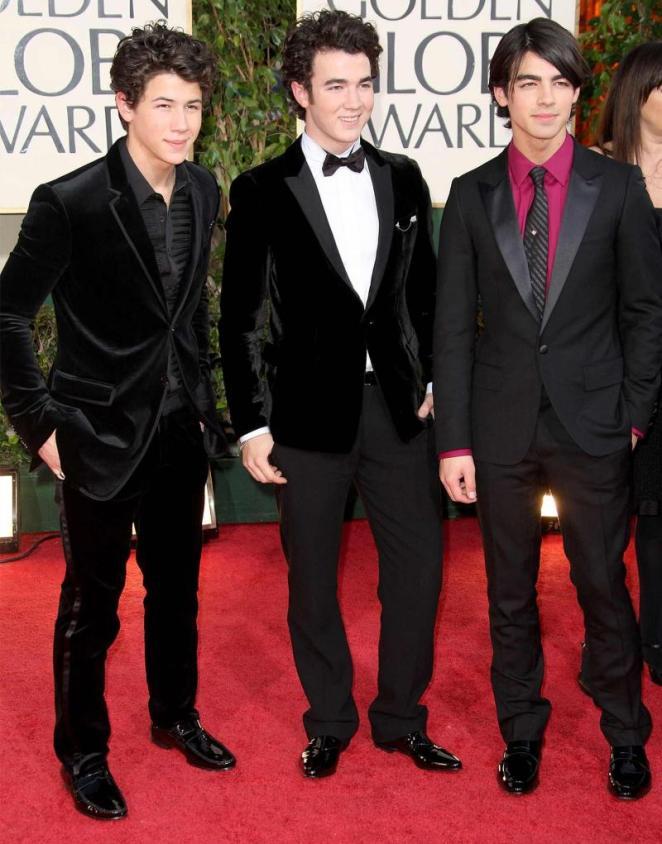 جو جوناس مع إخوته