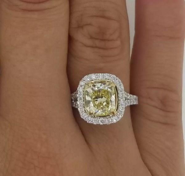 3.75 Ct Cushion Cut Vs1 Diamond Solitaire Engagement Ring 18K Gold 2