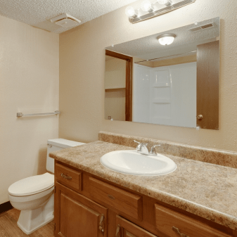 Aragon Apartments, 2 Bedroom, Bathroom