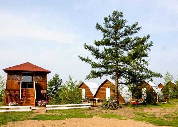 """База отдыха """"Надежда"""" на озере Арахлей"""
