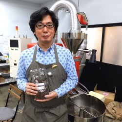 blackhole coffee roaster 前田さん2