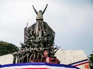 Pambansang bayani EDSA Revolution Monument