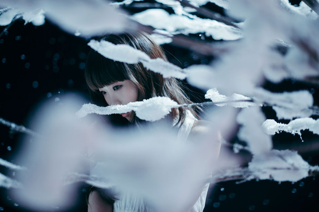"Aimer Sings of Winter in ""Kogoesouna Kisetsu Kara"""