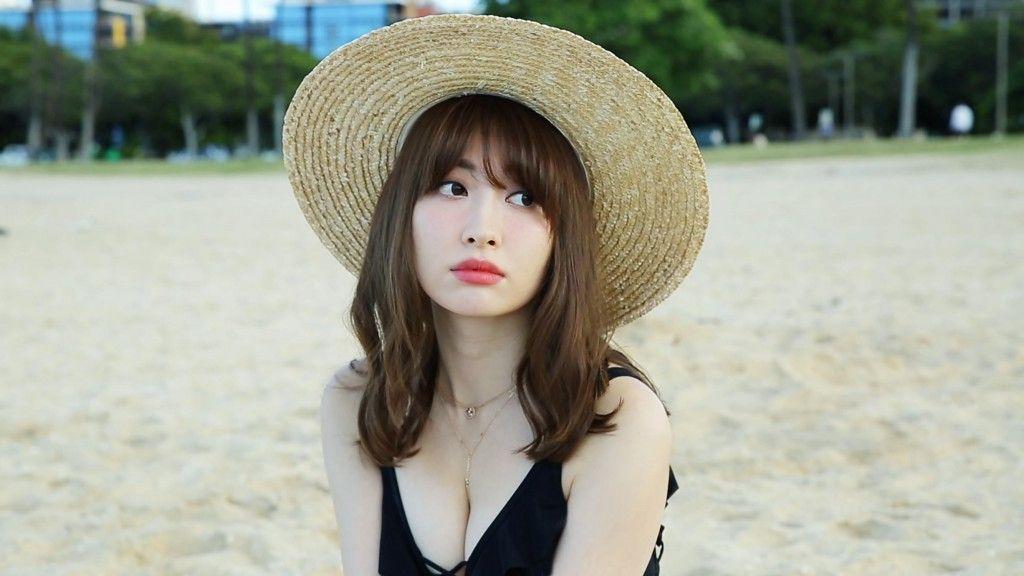 Haruna Kojima stars in sexy new CM for Uniqlo