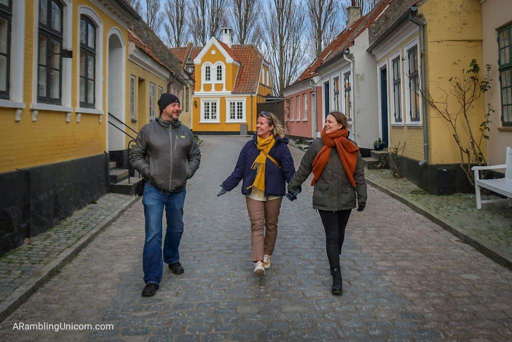 Daniel, Tetris and Katrine stroll around on of the villages on Ærø