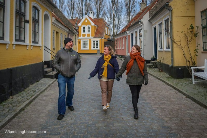 Daniel, Tetris and Katrine stroll around on of the villages on Ærø