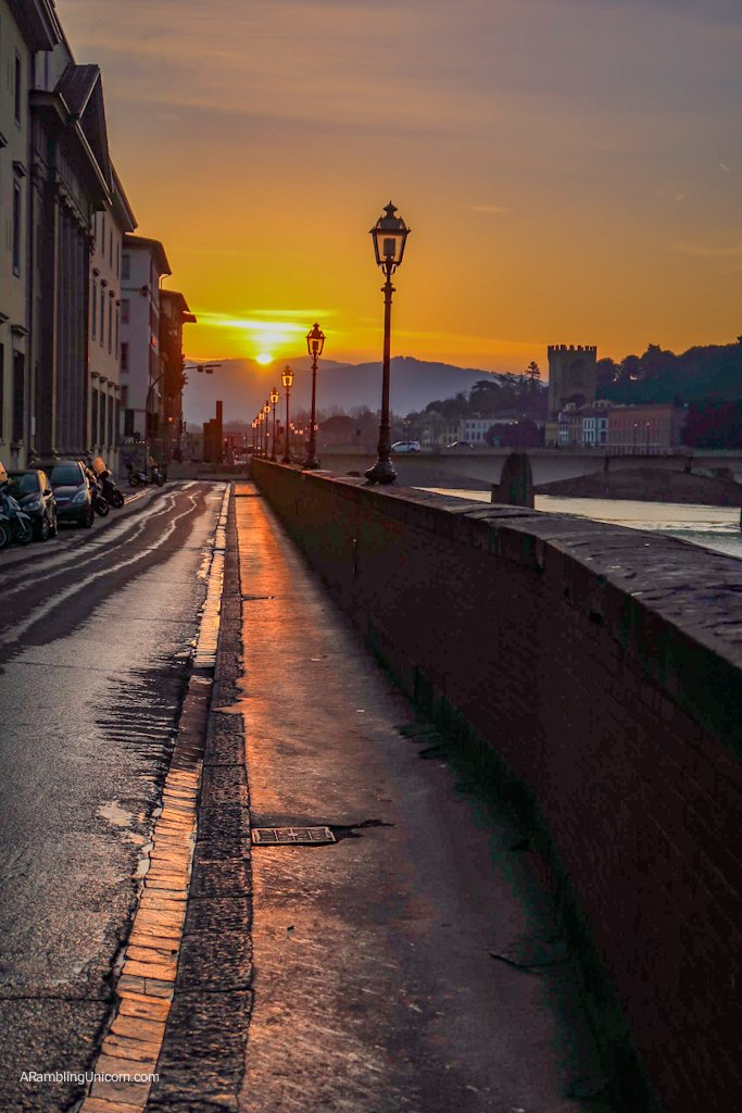 Florence 4 day itinerary: Sunrise along the Arno River