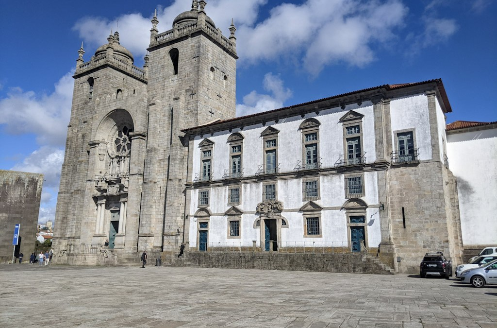 Portuguese Camino Day 0: The Porto Cathedral and Pilgrim's Credencial