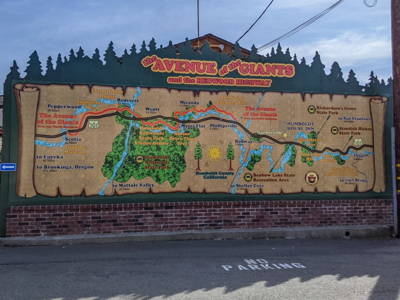 Large roadside map of the Avenue of Giants and Redwood Highway