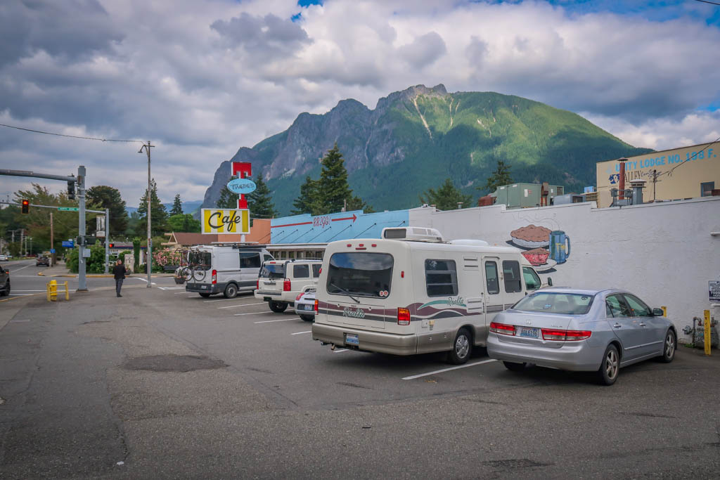 Winnebago Rialta parked at Tweedy's Cafe in the small town of North Bend. Mount Si rises majestically in the background.