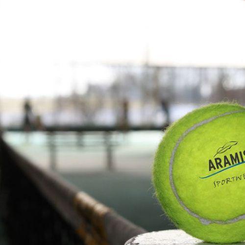 Tennisspielen im ARAMIS