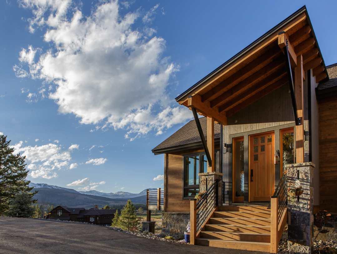 Breckenridge Highlands Entry